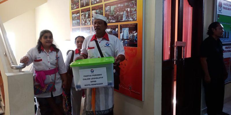 Perindo Denpasar Daftar ke KPU (foto: Nurul H/Okezone)
