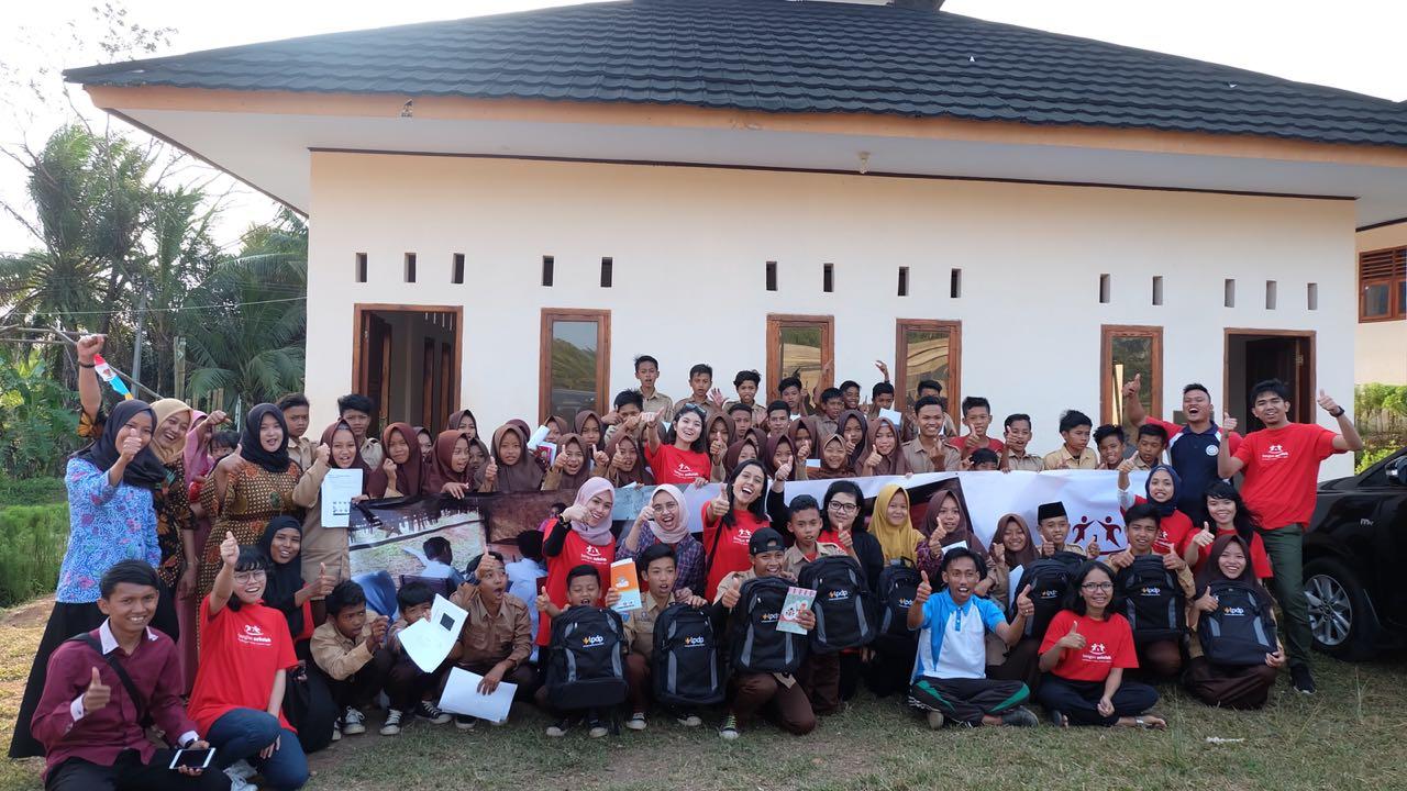 Para guru turut pula ikut serta mendampingi murid-murid selama kegiatan berlangsung.