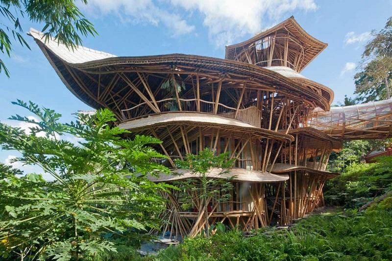 Hasil gambar untuk bangunan dari bambu