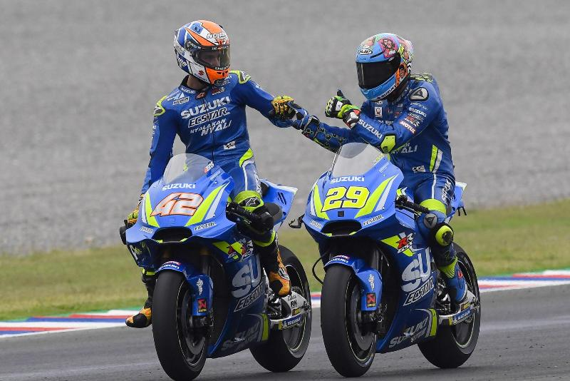 Alex Rins dan Andrea Iannone. Foto: Laman resmi MotoGP
