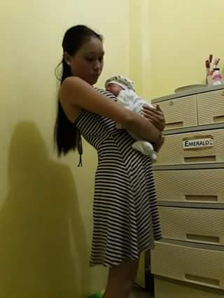 Unduh 820 Koleksi Gambar Lucu Suami Gendong Anak Terbaru