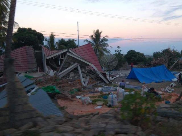 Bangunan rusak diguncang gempa di Lombok