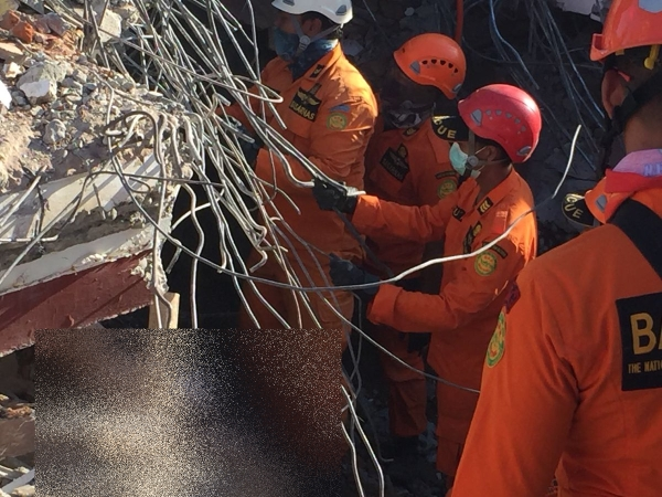 evakuasi korban gempa Lombok