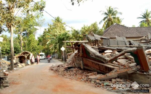 Rumah rusak akibat gempa Lombok. (Foto: Puteranegara Batubara/Okezone)