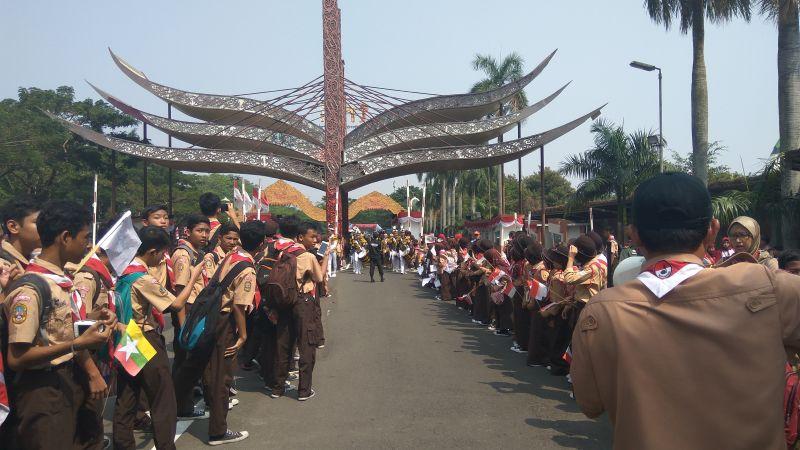 Pawai Obor Asian Games di TMII (foto: Badriyanto/Okezone)