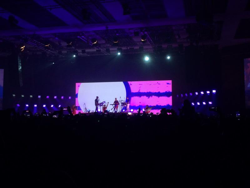 Konser Clean Bandit