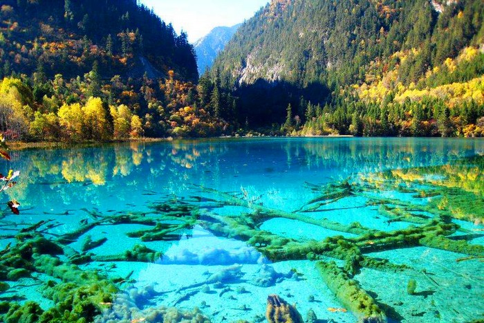 Crystalline Turquoise Lake (Wonderlist)