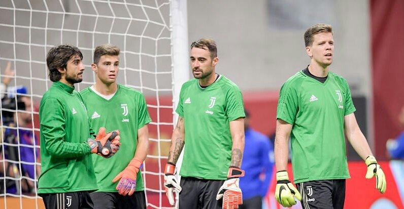 Penjaga gawang Juventus