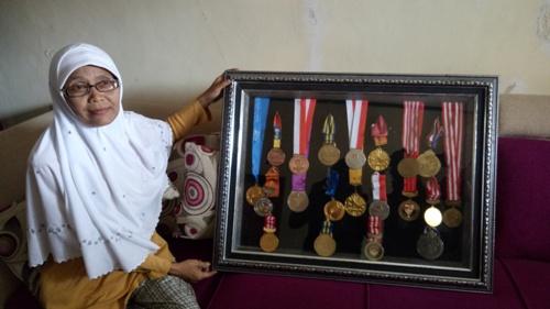 Koleksi Medali Defia Rosmaniar