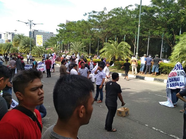 Massa tolak deklarasi 2019GantiPresiden