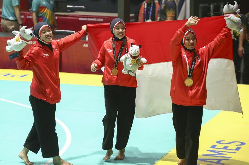 Tim Pencak Silat Beregu Putri Indonesia raih medali emas