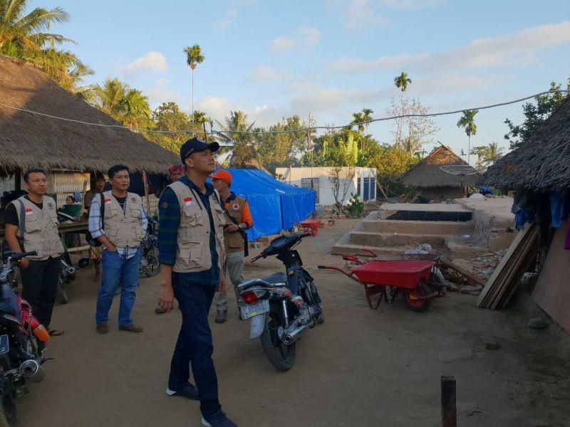 Ganjar Pranowo dan Tim Relawan Lombok (foto: Ist)