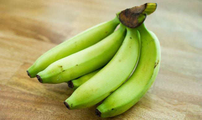 pisang mentah