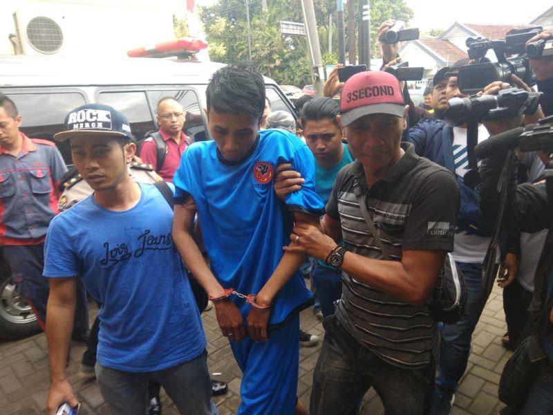 Pelaku Begal Mahasiswi di Bandung (foto: CDB Yudistira/Okezone)