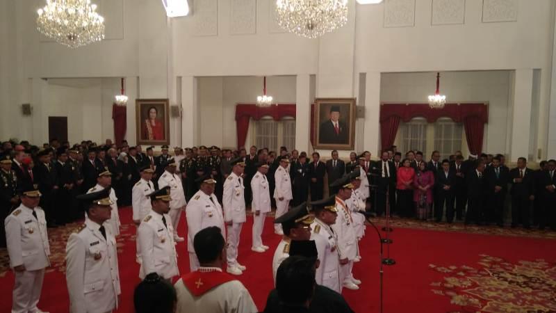 Jokowi lantik 9 gubernur (Fakhri)