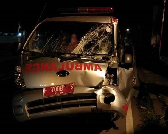 Ambulans kecelakaan (Foto: Facebook)