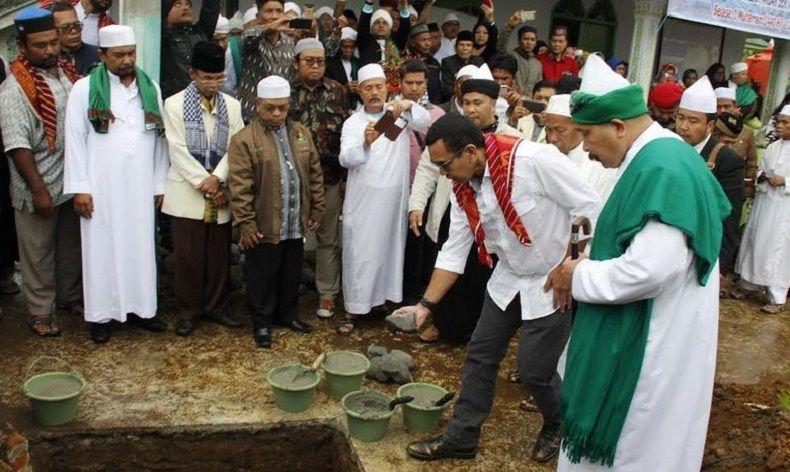 Arya Sinulingga Hadiri Peletakan Batu Pertama Masjid Taqwa di Karo (foto: iNews)