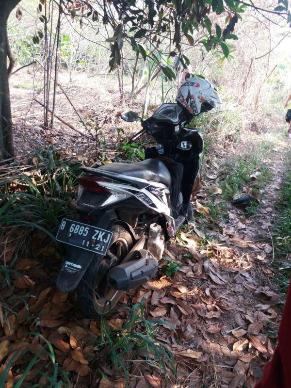 Motor Korban Bunuh Diri di Cipayung, Depok (foto: Ist)