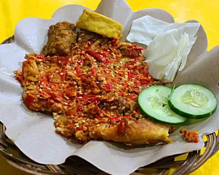 Tips Bikin Ayam Goreng Sambal Gepuk Ekstra Pedas Okezone Lifestyle