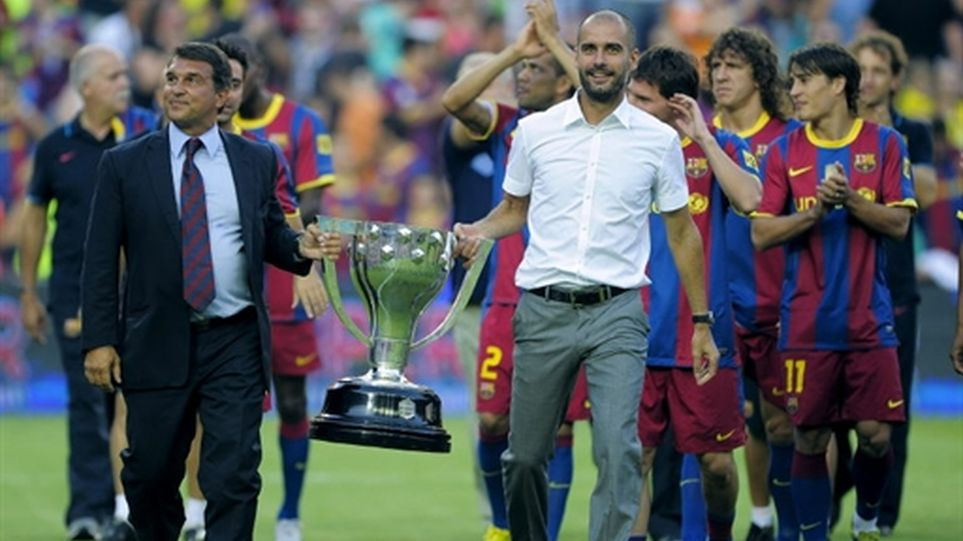 Pep Guardiola bersama skuad Barcelona