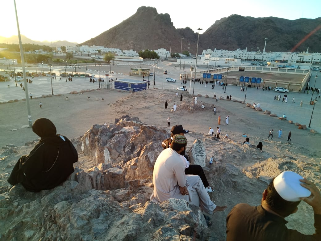 Peziarah Datangi Kawasan Jabal Uhud, Madinah, Arab Saudi (foto: Amril Amarullah/Okezone)