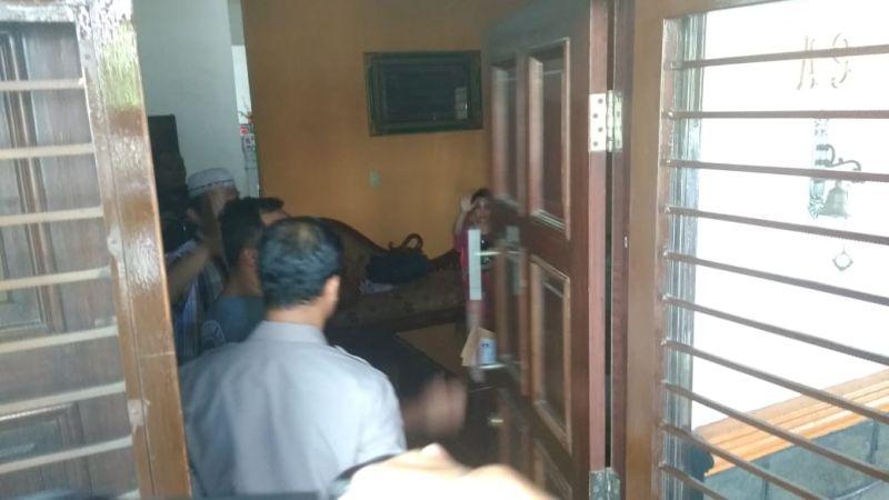 KPK Melakukan Penjemputan Paksa terhadap Muhammad Faisal (foto: Wahyudi/Okezone)