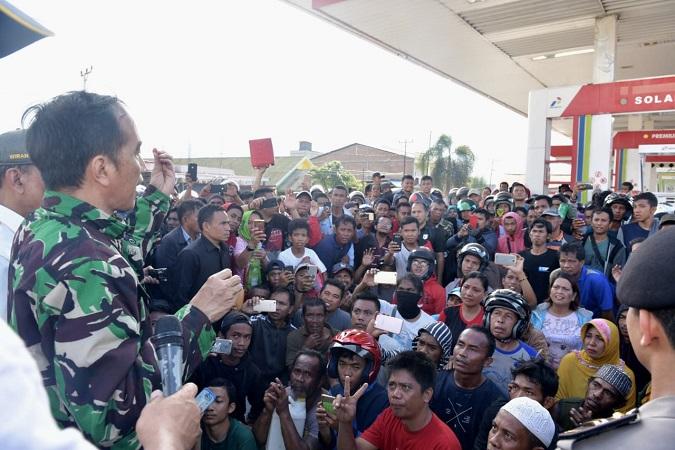Jokowi tinjau gempa Palu. (Foto : Biro Pers Setpres)