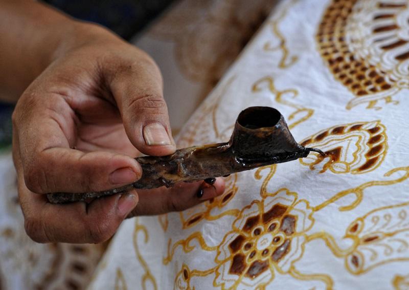 Batik Tulis (Shutterstock)