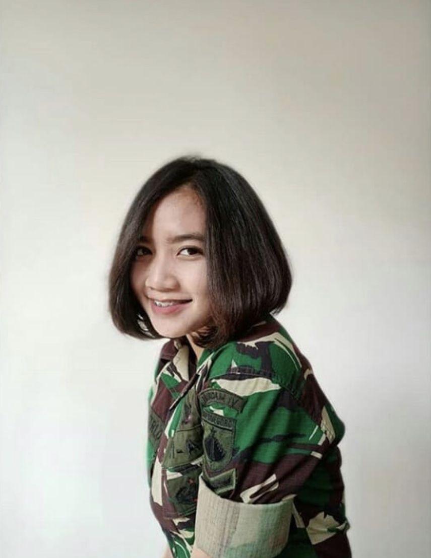 TNI Cantik Riska Fitri Oktv