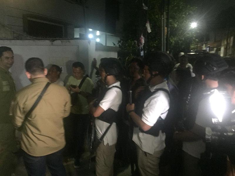 Penggeledahan di rumah Ratna