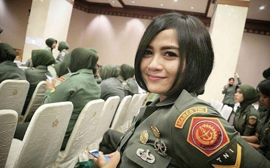 TNI Cantik Merry Gustia