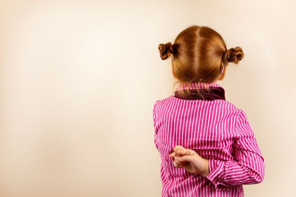 tanda tanda anak bohong jangan diabaikan daknya fatal