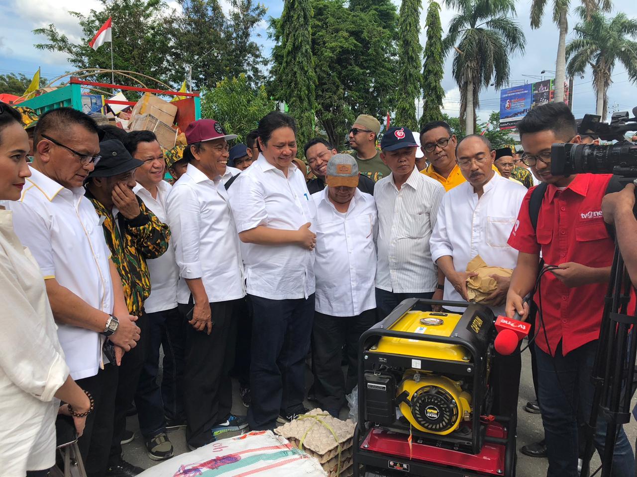 Airlangga saat mengunjungi langsung Kota Palu, Sulawesi Tengah (foto: Ist)