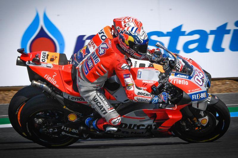 Andrea Dovizioso dan Marc Marquez (Foto: laman resmi MotoGP)