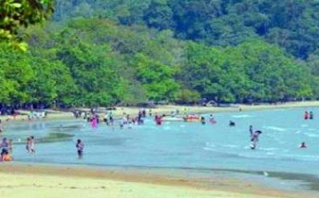 Pantai wisata