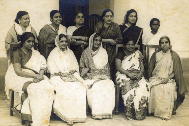Majelis konstituen India terdiri dari sejumlah perempuan terkemuka yang menentang prostitusi.