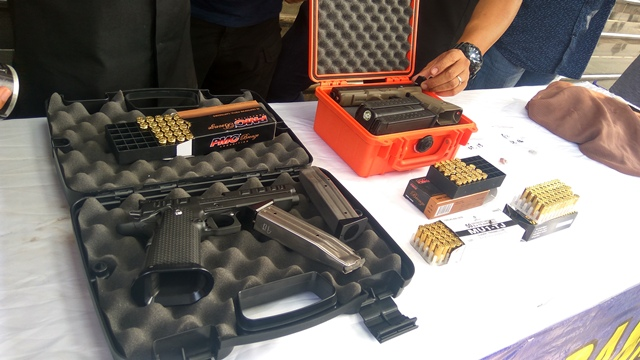 Barang bukti penembakan ke Gedung DPR (Foto : Badriyanto/Okezone)