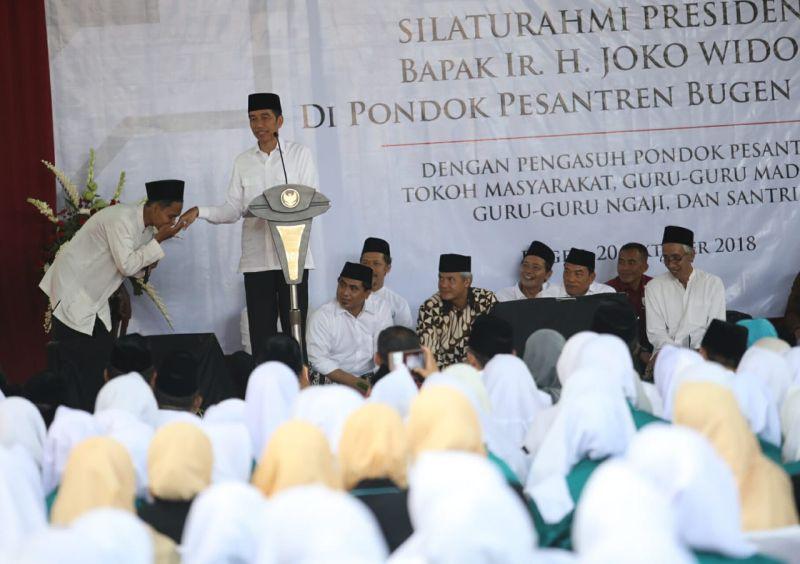 Presiden Jokowi Hadiri Ponpes Al Itqon Bugen Tlogosari Semarang (foto: Taufik B/Okezone)