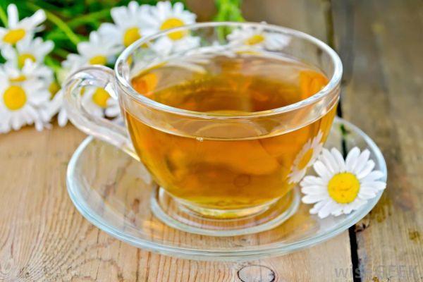 Teh hijau dan teh oolong sama-sama kaya akan antioksidan yang disebut katekin