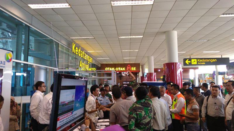 Situasi di Bandara Depati Amir Pangkal Pinang (foto: Arsan/Okezone)
