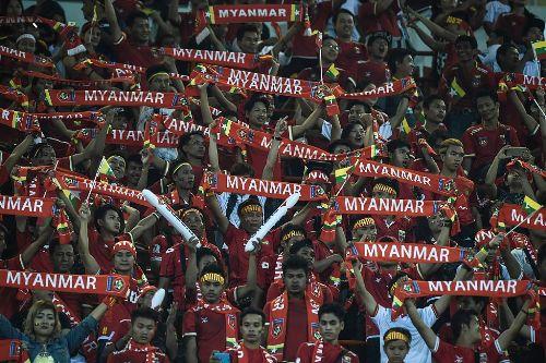 Suporter Timnas Myanmar