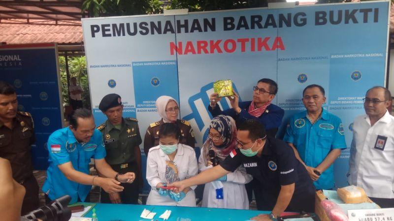BNN Musnahkan 57 Kg Sabu dan 66 Ribu Ekstasi (foto: Puteranegara/Okezone)