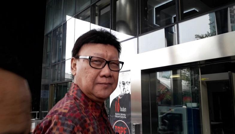 Mendagri Tjahjo Kumolo temui pimpinan KPK. (Foto : Arie Dwi Satrio/Okezone)