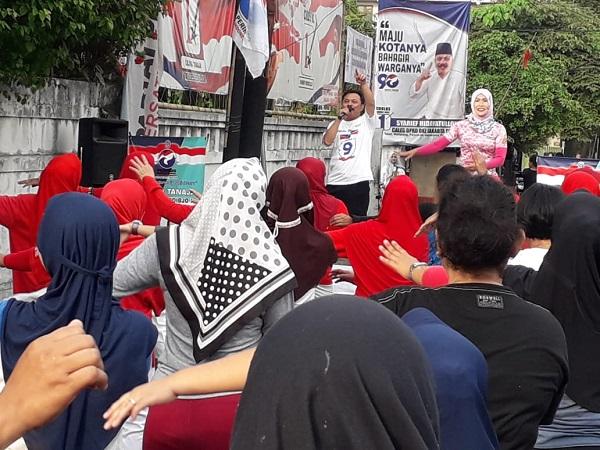 Ibu-ibu ikut lomba senam Perindo di Jakarta Selatan. (Foto : Muhamad Rizky/Okezone)