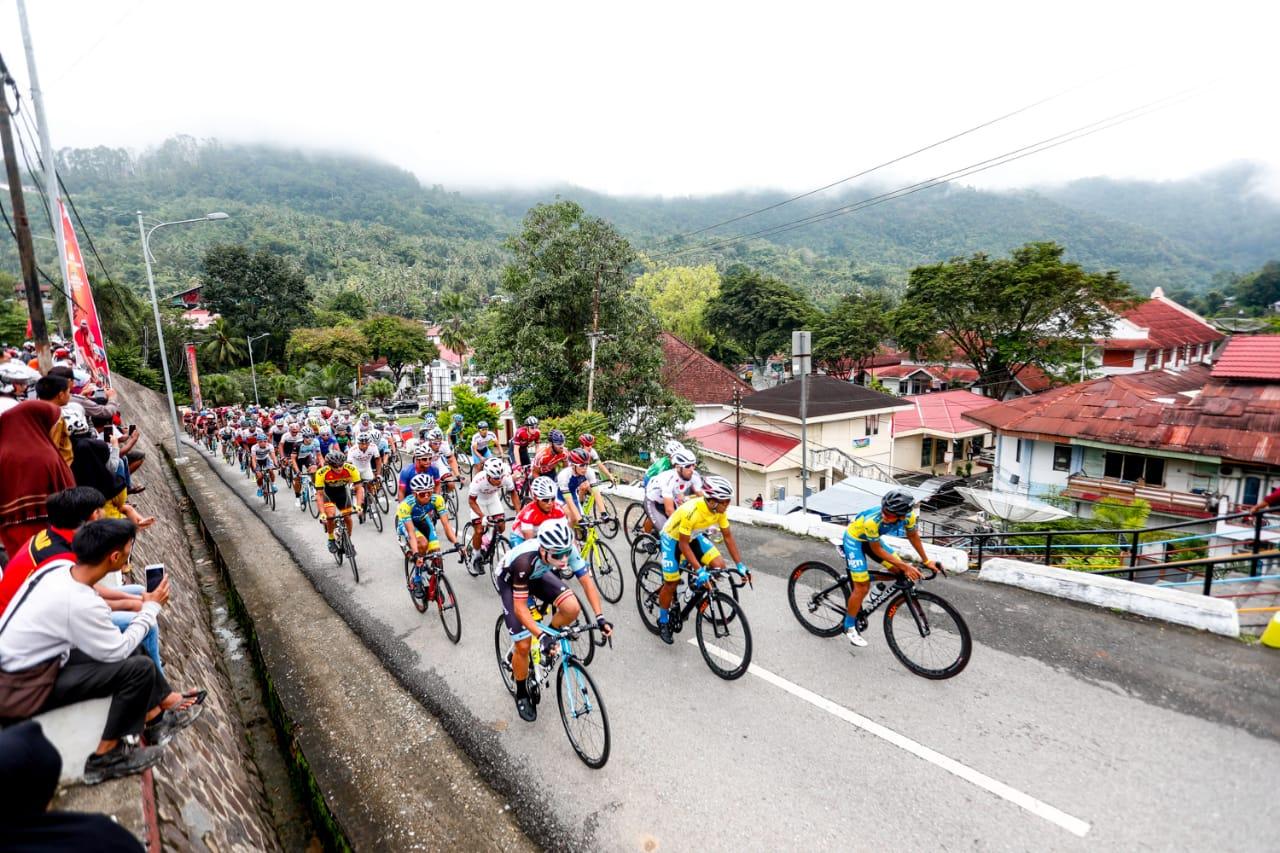 Tour de Singkarak 2018 (Foto: laman resmi Tour de Singkarak)