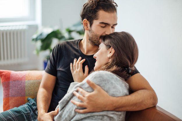 Mencium Aroma Pasangan
