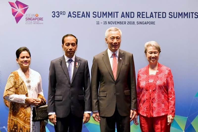 Jokowi di KTT ASEAN
