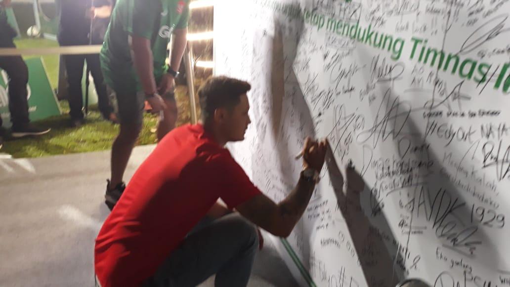 Syamsir Alam ikut nobar Timnas Indonesia