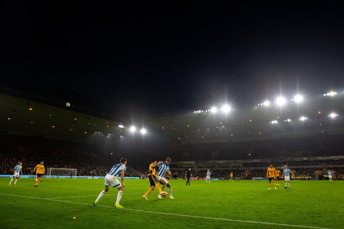 Wolverhampton vs Huddersfield (Foto: Twitter Wolverhampton)