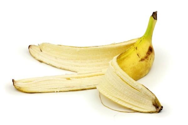 Kulit pisang ini disebutkan sebagai limbah pangan yang tinggi kandungan seratnya sehingga bisa membantu untuk meningkatkan apa yang dinamakan serotonin
